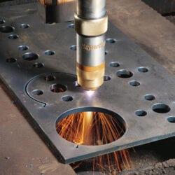 Cięcie blach ze stali za pomocą lasera